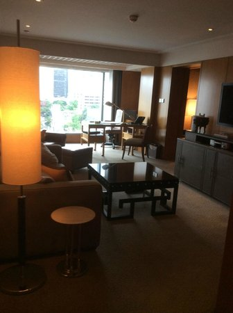Mandarin Oriental, Hong Kong: large suite with sea view