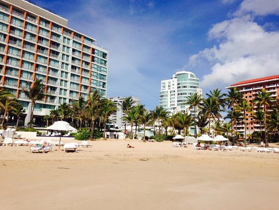 La Concha Renaissance San Juan Resort: Hotel from beachside