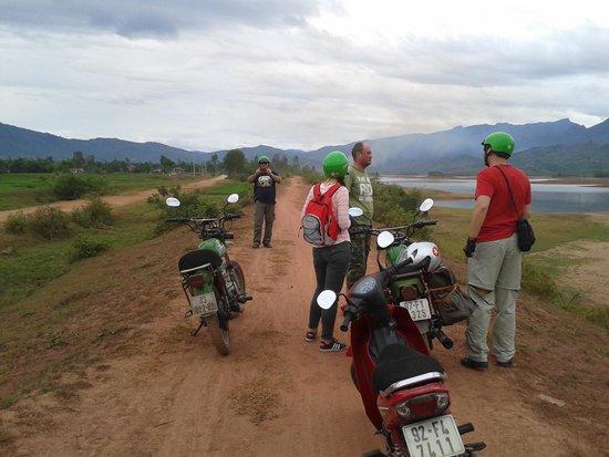Hoi An Motorbike Adventures: Quick break - pretty place!