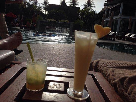 Amari Koh Samui: Lekkere Cocktails bij t zwembad