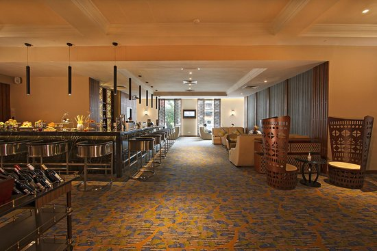 PARKROYAL Yangon: Lobby Bar