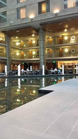 The Westin Detroit Metropolitan Airport: Central atrium area, looking toward the restaurant