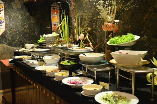 Earl's Regency: Salads Corner