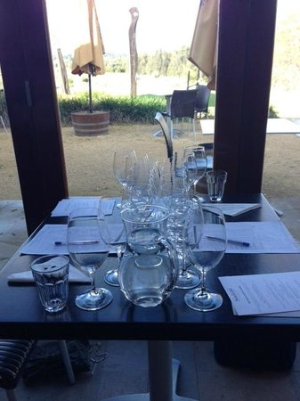 Hungerford Hill Wines : Lots of glasses!