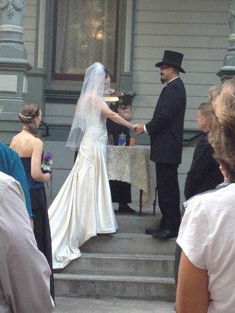 Hostelling International Sacramento : Congrats Wayne & Johnna