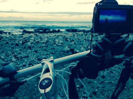 Fairmont Orchid, Hawaii: With the bike at the beach