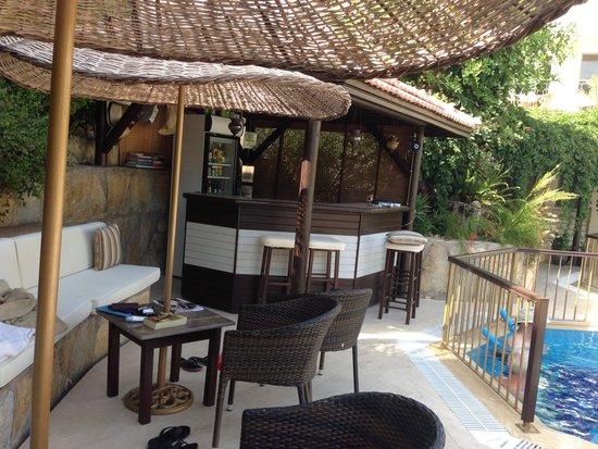 Aegean Gate Hotel : Bar area at the pool
