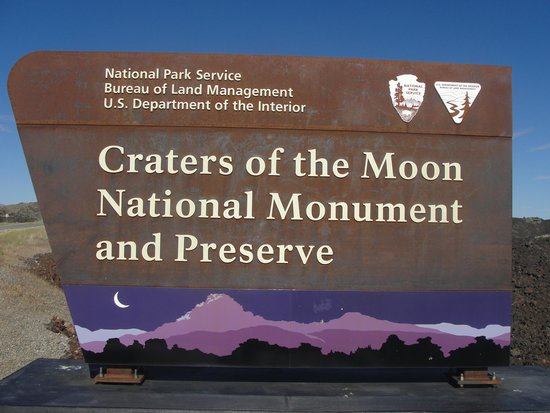 Craters of the Moon National Monument : Craters of the Moon sign
