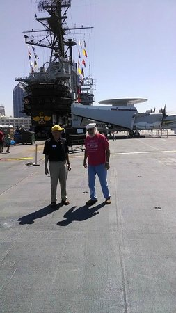 Musée de l'USS Midway : My husband on the tour of his former ship