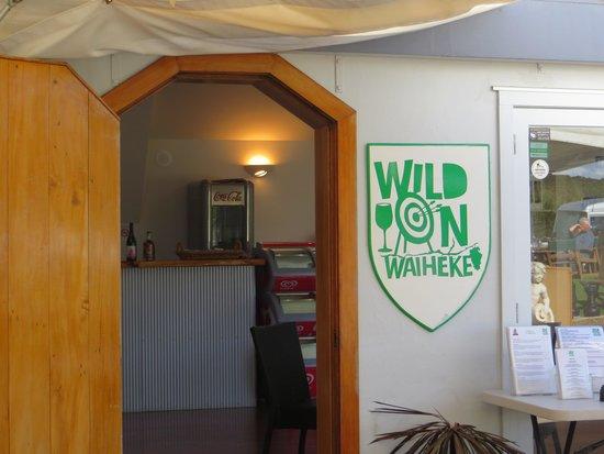 جزيرة واهيكي, نيوزيلندا: Here we are!
