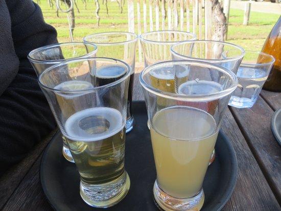 جزيرة واهيكي, نيوزيلندا: Beer flight