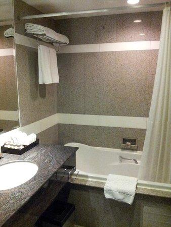 Majestic Grande Hotel: Bath