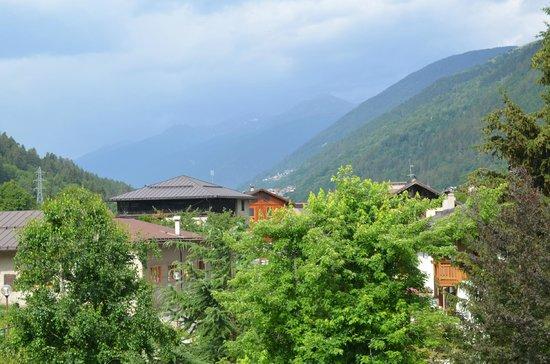 Tevini - Dolomites Charming Hotel: маленький балкон