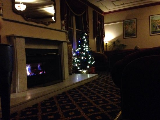 The Carrington Hotel: The Lounge