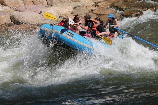 Durango Rivertrippers & Adventure Tours: Boat 2