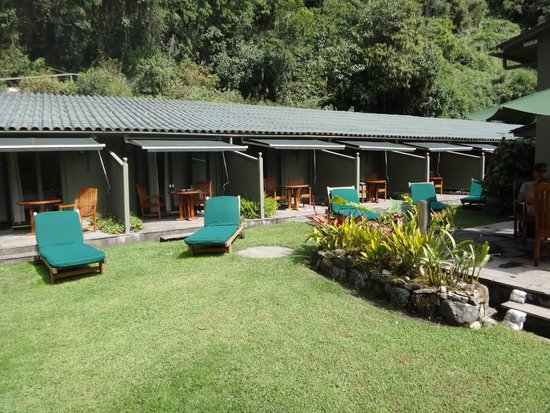 Belmond Sanctuary Lodge: looking at the rooms from across the courtyard