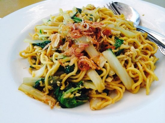 Bira Beach Hotel and Restaurant: Mie Goreng - Fried Noodle