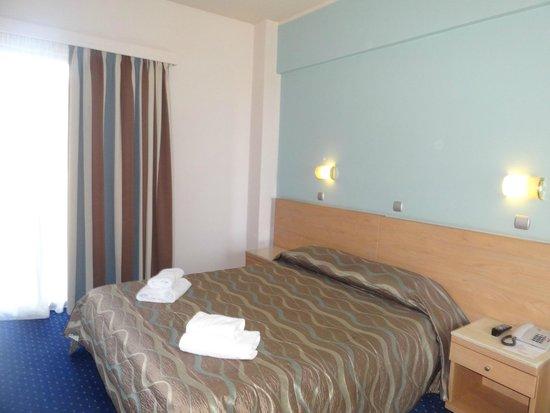 Athens Poseidon Hotel: Вид номера (2)