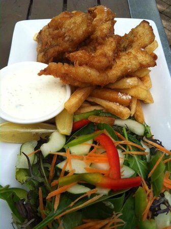 Fitzroy Island Resort : Fish n Chips at Foxy's