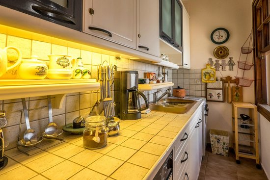 Calergi Residence: kitchen