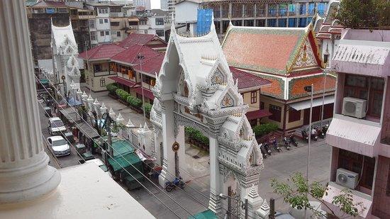 Bossotel Bangkok: vue sur le temple