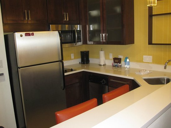 Residence Inn Tustin Orange County : Kitchen