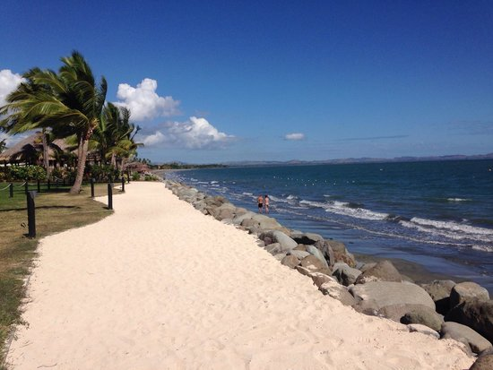 Wyndham Resort Denarau Island: Walk back from radisson