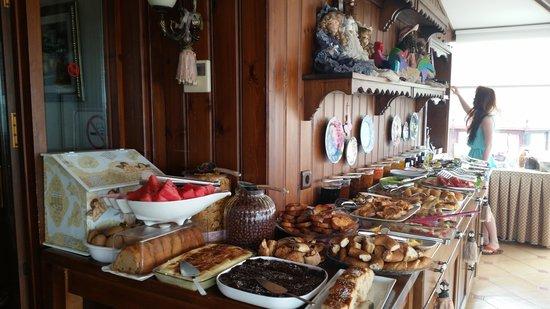 Emine Sultan Hotel & Suites: завтрак