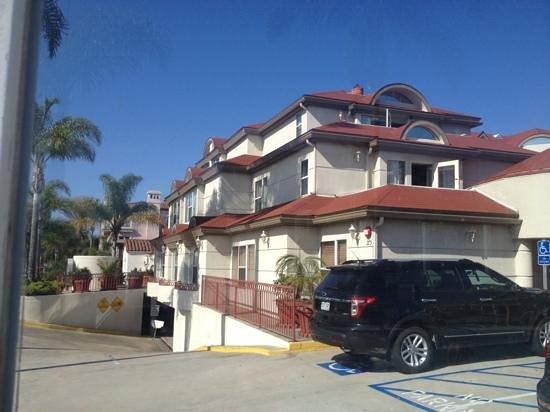 BEST WESTERN PLUS Suites Hotel Coronado Island: outside view