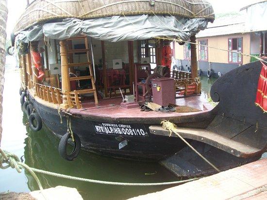 Kerala Backwaters: Alleppy, Kerala, India  Houseboat