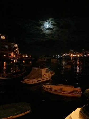 Baie de Spinola : Night time full moon over Spinola bay