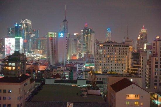 Mercure Bangkok Sukhumvit 11: Pool View room 10th floor