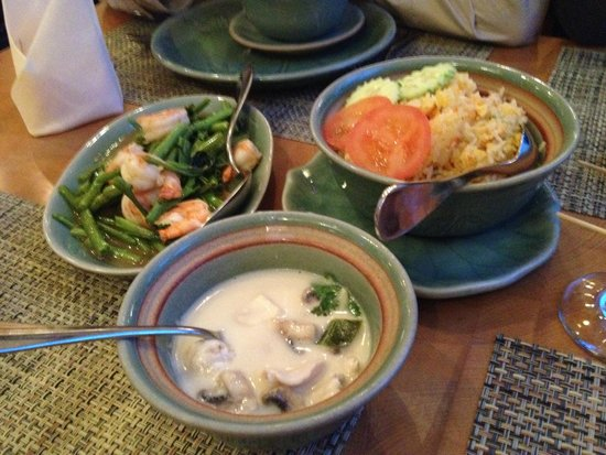 Doi Intanon Thai Restaurant: Tom Kha and the mains Chicken fried rice and Phad Khing Goong