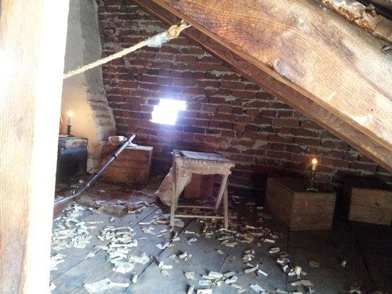 Shriver House Museum : attic