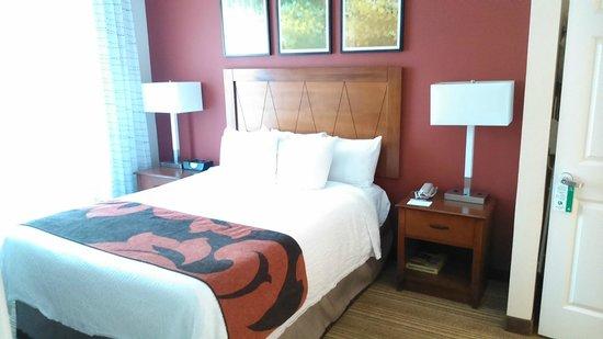 Residence Inn Princeton at Carnegie Center: bed