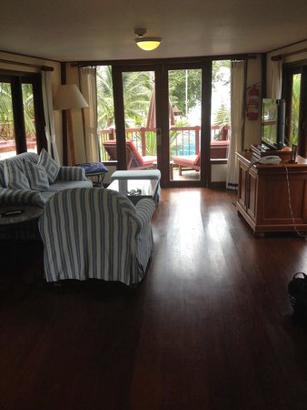 Imperial Boat House Beach Resort: View of living room boat suite