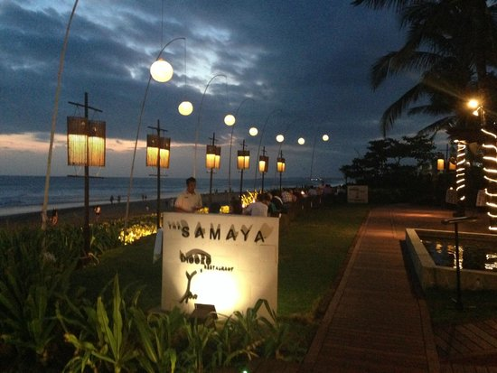 Breeze at The Samaya Seminyak: Early evening view along the beach side dining.