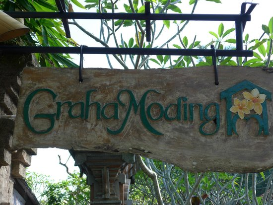 Graha Moding Villas : Hotel Sign