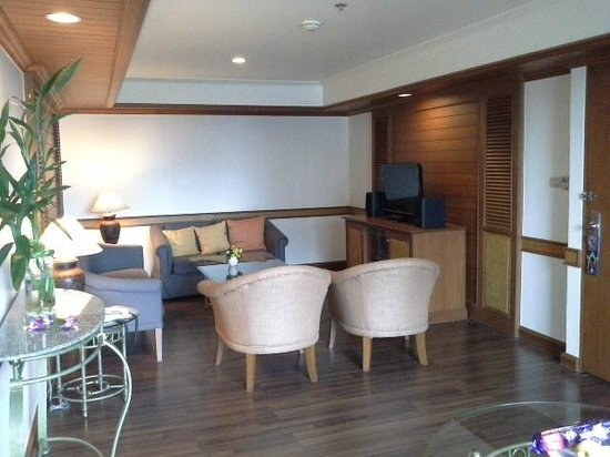 Bangkok Hotel Lotus Sukhumvit: LIVING ROOM