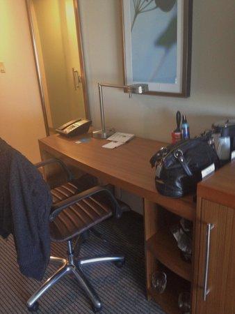 Hyatt Place Pensacola Airport: desk