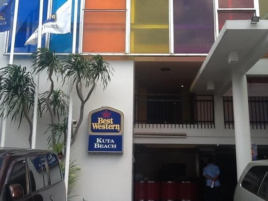 BEST WESTERN Kuta Beach : cool colours