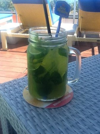BEST WESTERN Kuta Beach: chilled mint/lime time!!