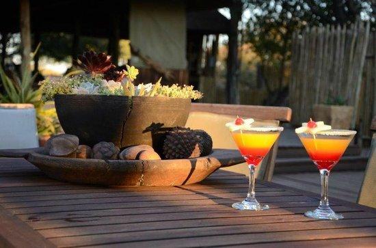 Haina Kalahari Lodge : welcome drinks