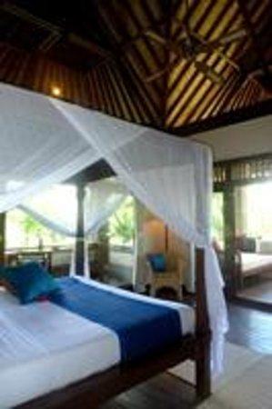 Alam Shanti: Gayatri bedroom