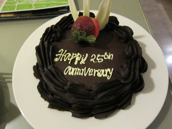 Courtyard by Marriott Bali Nusa Dua Resort: Anniversary cake :)