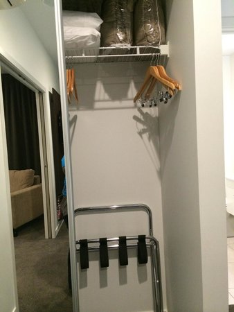 Quest Rotorua Central: Small-ish closet but just enough for two persons