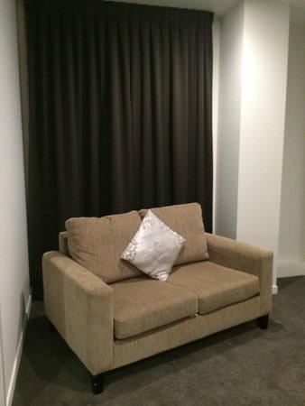 Quest Rotorua Central: Comfy sofa