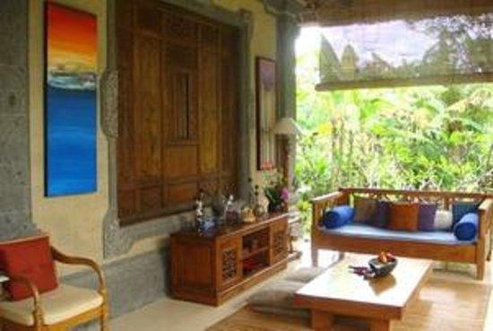 Alam Shanti: Narmada Room