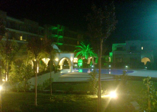 Sentido Ixian Grand : Beautiful hotel grounds.