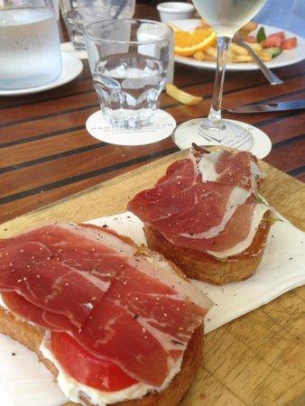 Pool Terrace Restaurant: Prosciutto bruschetta - cracked pepper requested!